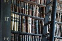 książki na regale
