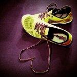 buty sportowe z sercem